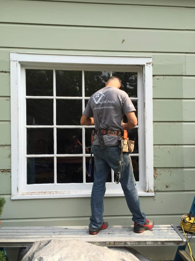 Siding, windows and doors installers needed